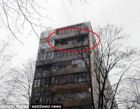 Hai mẹ con sống sót thần kỳ sau khi nhảy từ tầng 8 ngập lửa