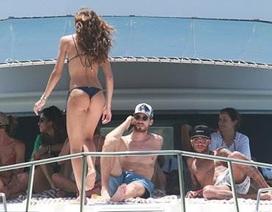 Bạn gái của Neymar và thủ môn PSG bất ngờ cùng khoe dáng, đọ sắc