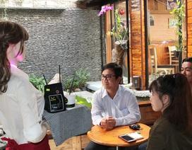 Trải nghiệm cảm giác được nhân viên robot phục vụ cà phê