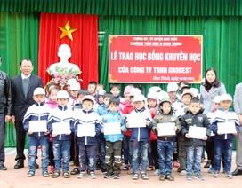 100 suất học bổng của Grobest Việt Nam đến học sinh nghèo vùng ven biển Nam Định