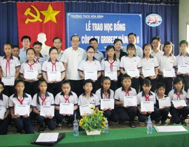 Trao 110 suất học bổng Grobest đến học sinh nghèo Bạc Liêu