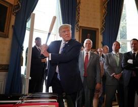 """Dấu ấn khác lạ của ông Donald Trump trong năm đầu tiên """"chèo lái"""" nước Mỹ"""
