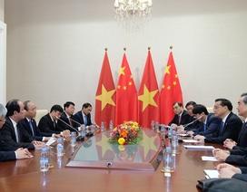 Thủ tướng Nguyễn Xuân Phúc trao đổi với Thủ tướng Trung Quốc về Biển Đông