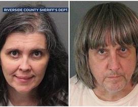 Cặp vợ chồng Mỹ đối mặt 94 năm tù vì ngược đãi 13 con ruột