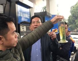 Hà Nội: Cây xăng bị tố đổ sai 10 lít được minh oan