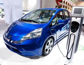 """Bộ Tài chính bị chê """"lỗi thời"""" khi ưu đãi thuế tiêu thụ đặc biệt với xe Hybrid"""