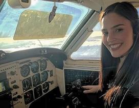 """Dân mạng phát """"sốt"""" vì nữ phi công xinh đẹp"""