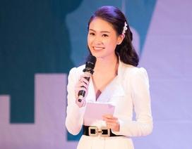 """Mỹ nhân Hoa hậu Việt Nam thành tích học tập """"khủng"""" toả sáng với vai trò MC"""