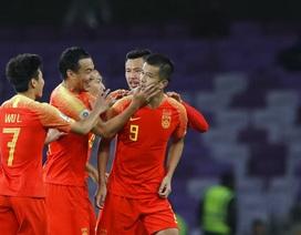 """Thái Lan 1-2 Trung Quốc: Dấu ấn của """"bố già"""" Lippi"""