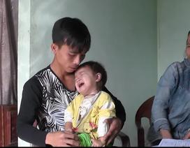 Thương bé gái mới 2 tuổi đã bị ung thư, mẹ lại bị suy tim nặng