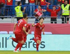 """Công Phượng: """"Người hâm mộ cứ ăn mừng, còn đội tuyển Việt Nam sẽ chuẩn bị cho tứ kết"""""""