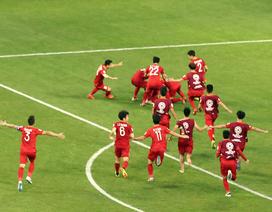 Đội tuyển Việt Nam tưng bừng ăn mừng sau khi giành quyền vào tứ kết