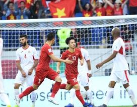 """""""Bất ngờ nhất là đội tuyển Việt Nam đá đôi công với Jordan và giành chiến thắng!"""""""