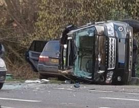 Chồng Nữ hoàng Anh bị cảnh sát hỏi thăm vì lái xe không cài dây an toàn