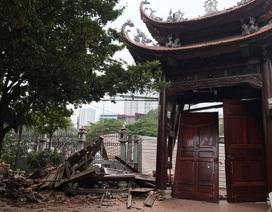 Hà Nội: Cổng chùa bị đâm đổ nát trong đêm