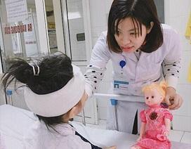 Bé gái 6 tuổi bị chó nhà tấn công nát mặt