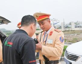 """Bất ngờ kiểm tra tài xế """"dính"""" ma túy trên cao tốc Hà Nội - Hải Phòng"""