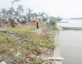 Phát hiện thi thể đang phân hủy trôi trên sông
