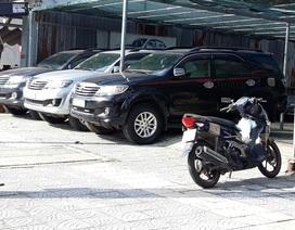 Thuê xe ô tô tự lái dịp Tết: Giá tăng cao vẫn hút khách