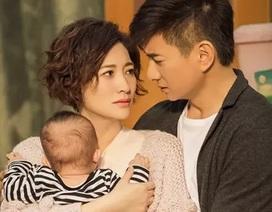 Ngô Kỳ Long học chăm sóc em bé để đón thành viên mới