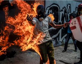 Từ nước giàu nhất Mỹ Latinh, Venezuela chìm sâu trong khủng hoảng