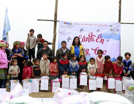 Sinh viên ĐH Kinh tế quốc dân mang Tết đến bản nghèo Khau Thán