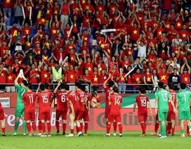 Hành động đẹp và đầy ý nghĩa của tuyển Việt Nam sau khi rời Asian Cup khiến dân mạng thán phục