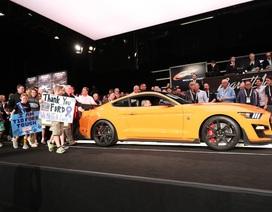 Chiếc Mustang Shelby GT500 2020 đầu tiên được trả giá 1,1 triệu USD