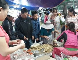 Đà Nẵng: Nhộn nhịp thị trường đồ tiễn ông Táo về trời