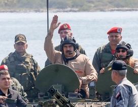 Tổng thống Venezuela Maduro thị sát tập trận quân sự giữa lúc căng thẳng