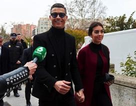 C.Ronaldo tỏ tình đầy lãng mạn nhân dịp sinh nhật bạn gái