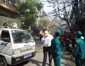 Hà Nội: Cháy ngôi nhà 4 tầng trên phố cổ, nghi do đốt vàng mã