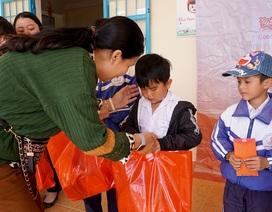 """""""Xuân ấm áp"""" đến với học sinh và giáo viên khó khăn ở Lâm Đồng"""