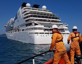 Cứu du khách Mỹ bị nạn ngoài khơi Nha Trang