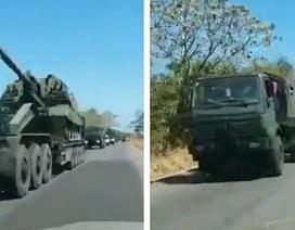 Venezuela điều hàng loạt vũ khí tới biên giới Colombia, đề phòng bị can thiệp quân sự?
