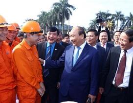 Thủ tướng thăm, chúc Tết công nhân lao động tại Hải Phòng