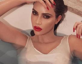 Kim Kardashian gợi cảm với son đỏ