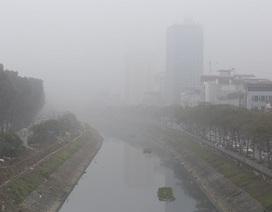 Bí kíp lái xe an toàn dưới lớp sương mù ngày đầu năm