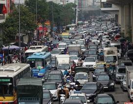 Đường phố Hà Nội ùn tắc kinh hoàng trong ngày 27 Tết