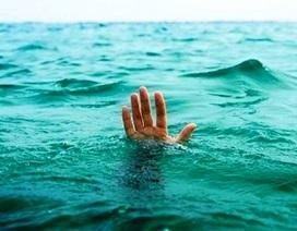 Hai học sinh đuối nước thương tâm