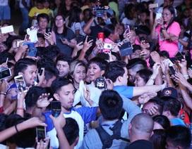 H'hen Niê được chào đón nồng nhiệt khi diễn thuyết tại Philippines