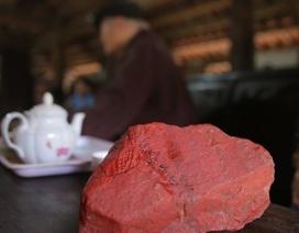 Kỳ diệu loại đá đỏ dùng làm lá cờ Tổ quốc trong Lăng Bác Hồ