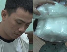 Thưởng nóng ban chuyên án phá đường dây vận chuyển hơn 3kg ma túy