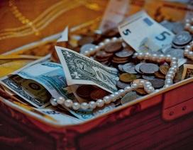 Mua hộp đồ cũ với giá bèo, bất ngờ vớ được kho báu triệu USD