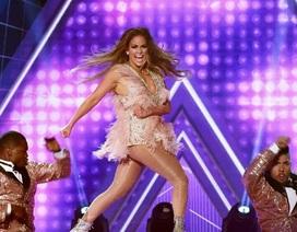 "Jennifer Lopez ""bốc lửa"" trên sân khấu Grammy 2019"