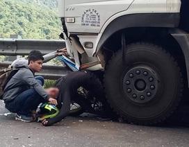 Tông trực diện xe tải trên đèo Bảo Lộc, 1 phượt thủ nguy kịch