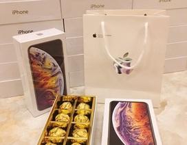 """Thanh niên chơi lớn, mua 99 hộp socola """"iPhone XS Max"""" tặng bạn gái ngày 8/3"""