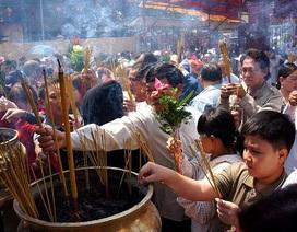 Đi lễ chùa Bà Bình Dương: Ăn uống miễn phí, đi xe buýt không mất tiền