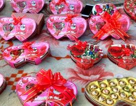 Đa dạng thị trường quà tặng Valentine nhưng sức mua khá yếu