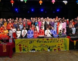 Tết Việt sum vầy cùng 300 bạn bè Pháp và quốc tế